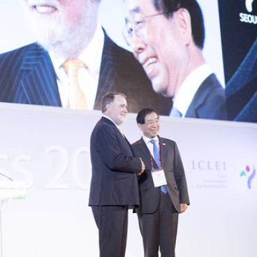 "Seoul Mayor Won Soon Park is new ICLEI President • <a style=""font-size:0.8em;"" href=""http://www.flickr.com/photos/45236753@N04/17123387442/"" target=""_blank"">View on Flickr</a>"